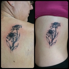 Matching mother-daughter tattoos