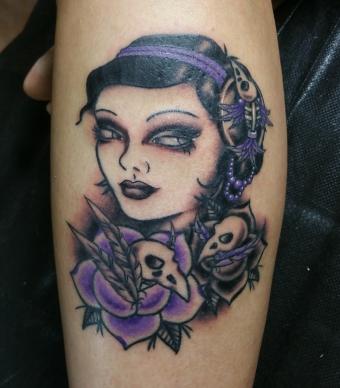 lady with bird skulls
