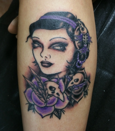 lady with bird skulls
